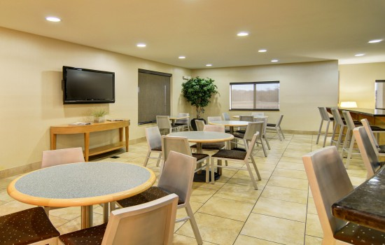 Comfort Suites Lindale Tyler North - Breakfast Space